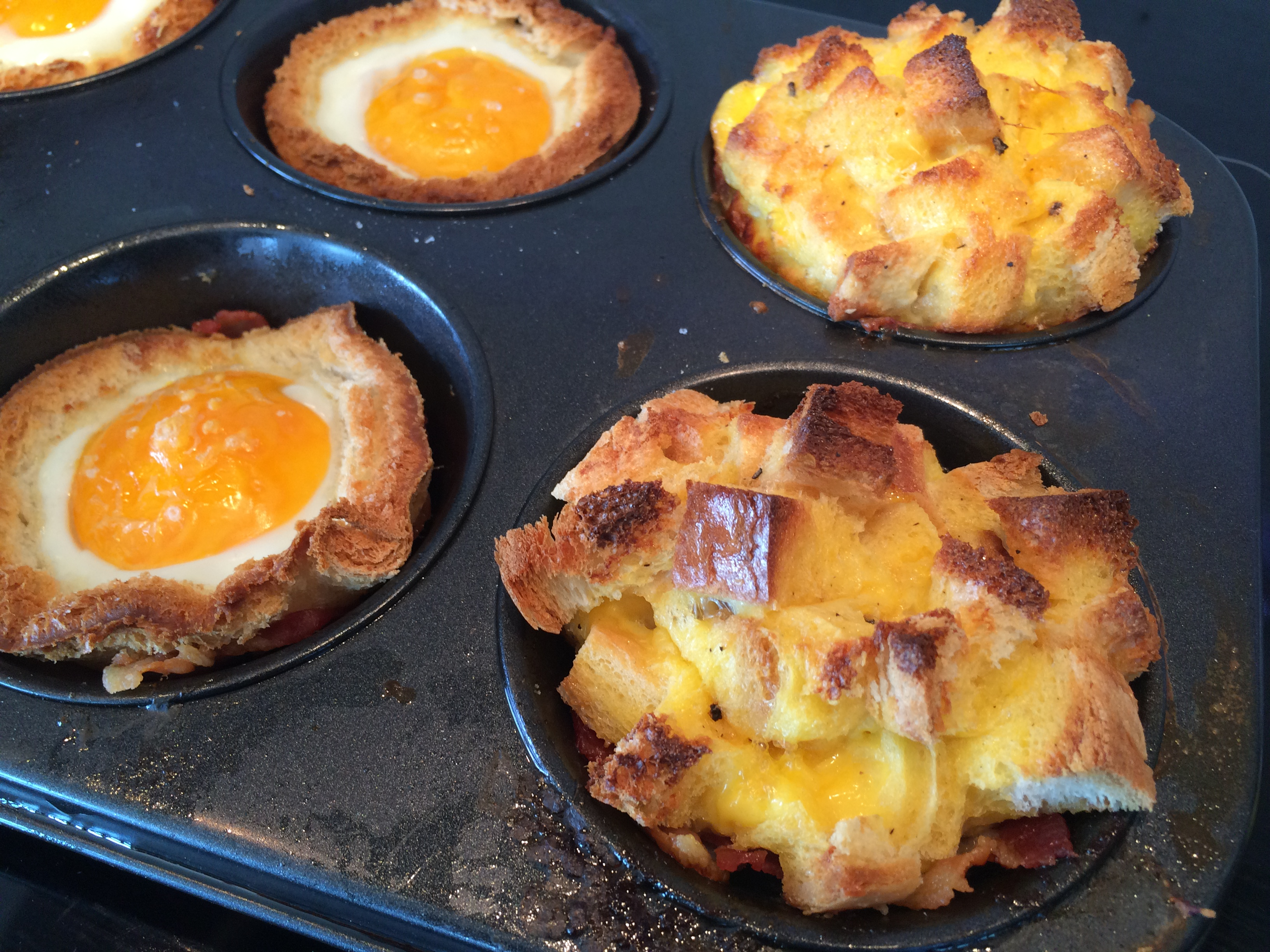 Bacon and Egg Toast Cup Muffins